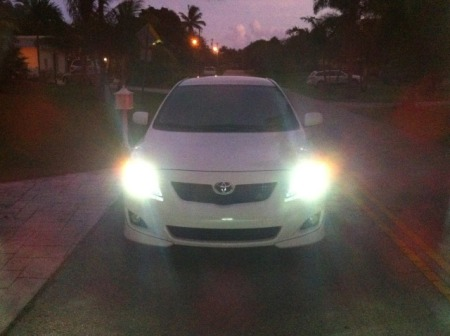 2010 Toyota Corolla with 9006 Xtreme 4300K HID Kit